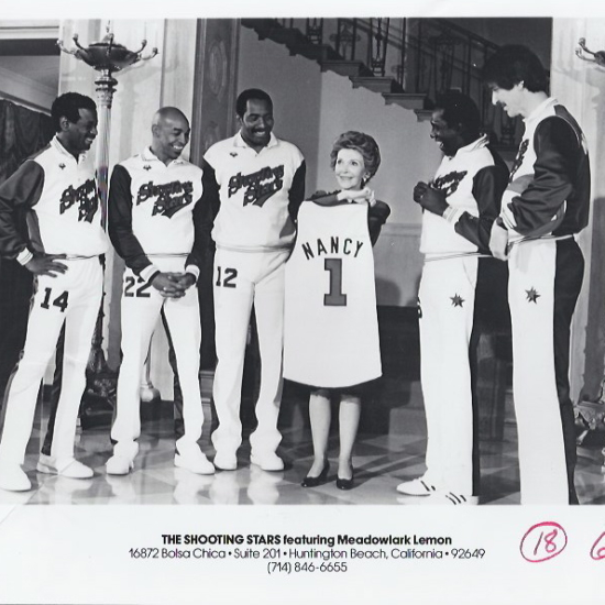 Globetrotters w Nancy Reagan